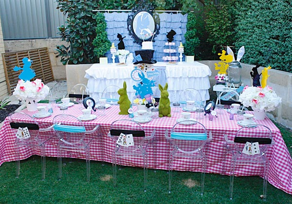 Party for Alice in Wonderland theme