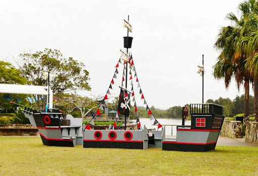 Pirate party play ship