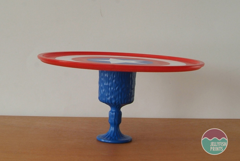 Side view of cake stand