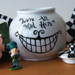 A hand painted Alice in Wonderland Teapot. Tutorial at Jellyfishprints.com.au